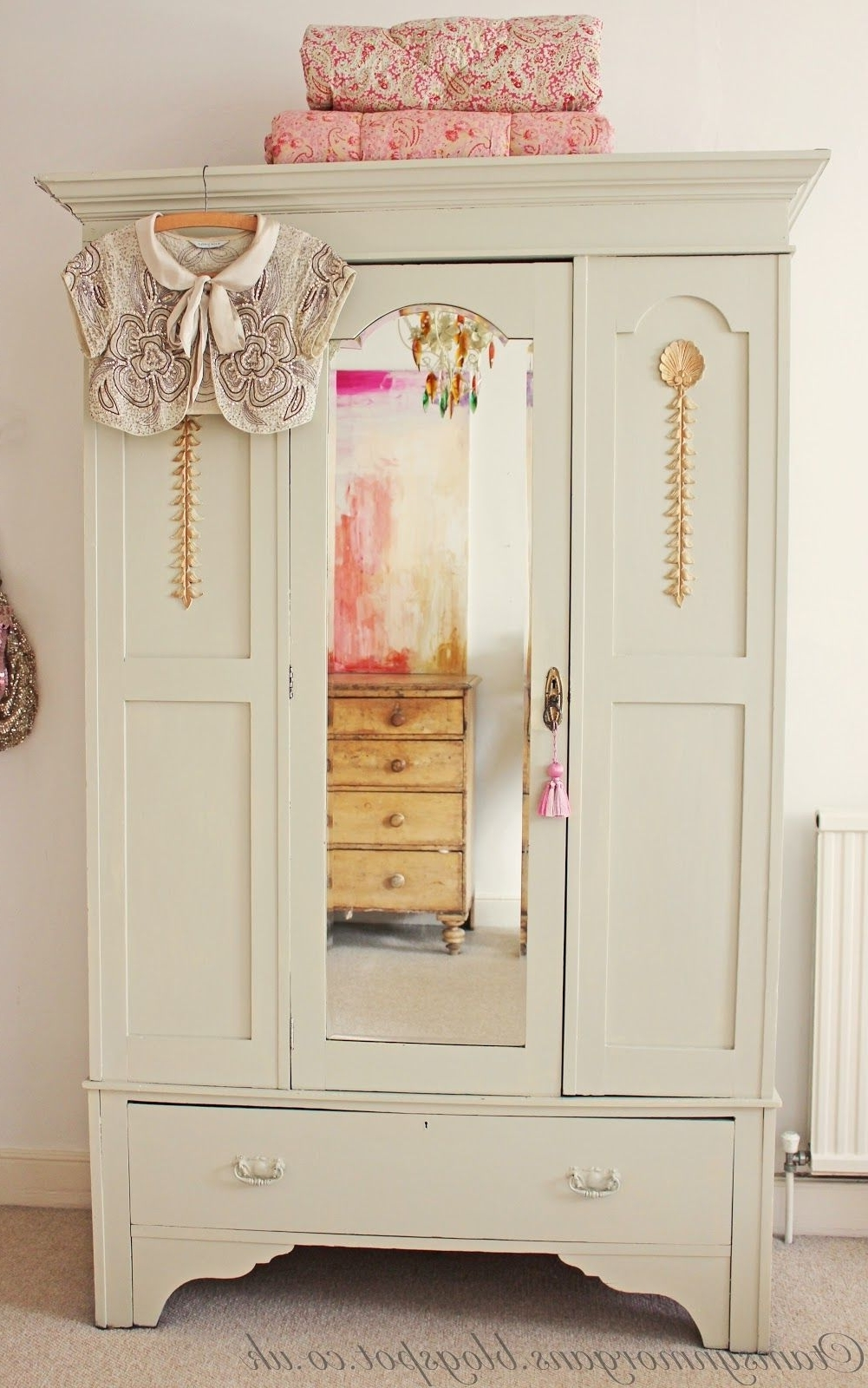 Vintage Shabby Chic Wardrobes Throughout 2017 The Villa On Mount Pleasant, Vintage Shabby Chic Wardrobe (View 13 of 15)