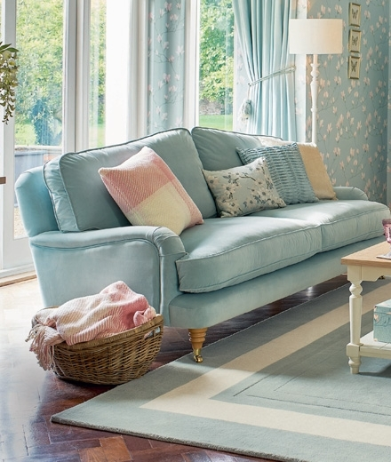 Well Known Sofas & Chairs (View 4 of 10)