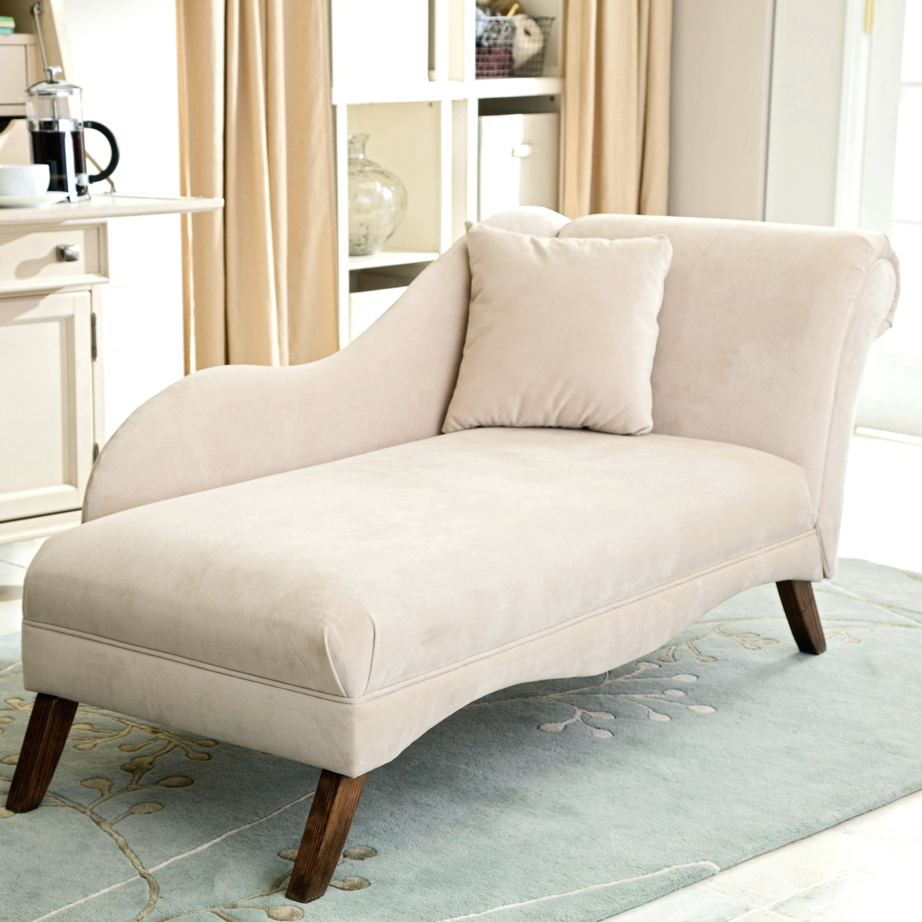 Photo Gallery of Bedroom Chaise Lounge Chairs (Showing 5 of 15 Photos)