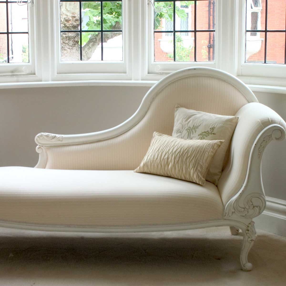 White Chaises Regarding Best And Newest Bedroom Chaise Lounge (View 7 of 15)