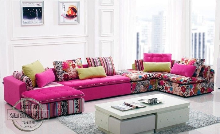 Beautiful Sectional Small Living Room Vignette - Living Room Designs ...