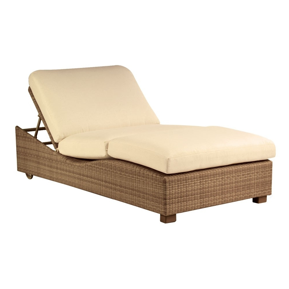 Widely Used Double Chaise Lounges With Regard To Whitecraftwoodard Saddleback Wicker Double Chaise Lounge (View 15 of 15)