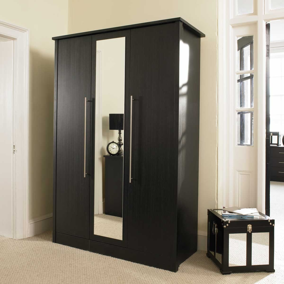 Widely Used Luxury Bedroom With Black Wardrobe With Mirror Doors, Top Wardrobe Pertaining To 3 Door Mirrored Wardrobes (View 15 of 15)