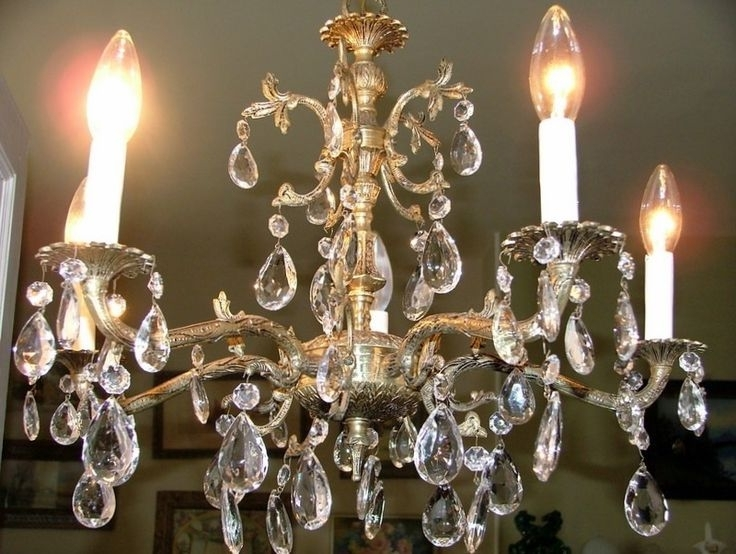 12 Best Styles And Advantages Of Brass Chandelier Images On Inside Preferred Old Brass Chandeliers (View 3 of 10)