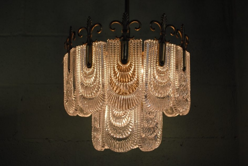 Art Deco Skyscraper Chandelier At 1Stdibs With Regard To Attractive Regarding Well Known Large Art Deco Chandelier (View 1 of 10)