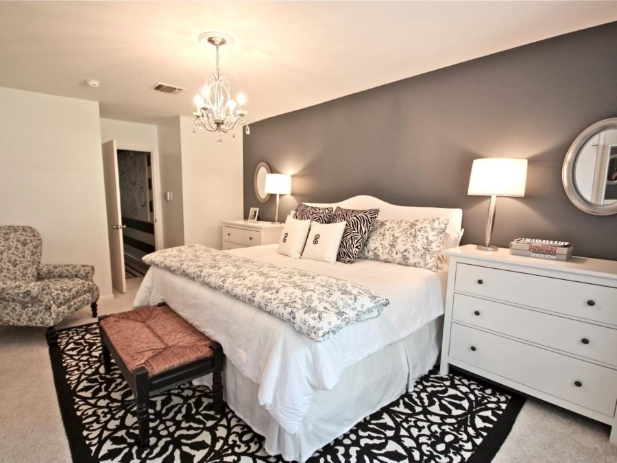 Bedroom Chandeliers With Regard To Well Known Guide To Choose Bedroom Chandeliers (View 3 of 10)