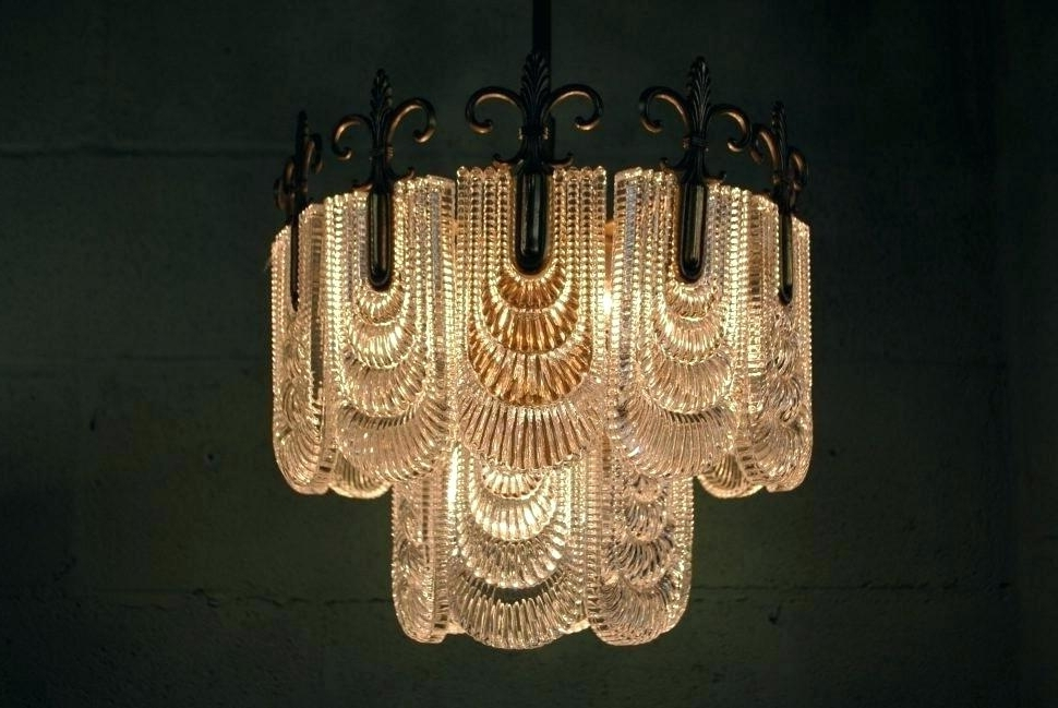Current Art Deco Chandelier With Regard To Antique Art Deco Chandelier As Well As Art Light Fixtures (View 2 of 10)