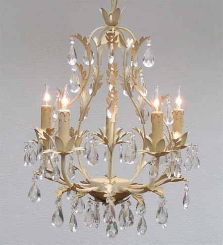 French Style Chandelier In Well Known Awesome Country French Chandeliers G7 White4075 Gallery Pertaining (View 10 of 10)