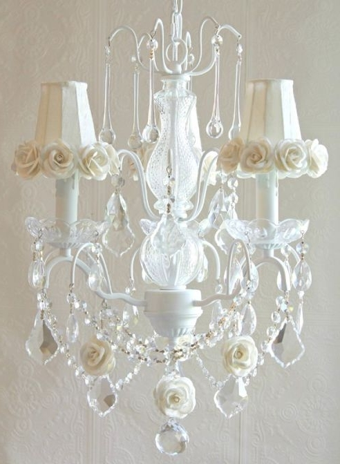 Sristicabletv Pertaining To Well Liked Cream Crystal Chandelier (View 8 of 10)