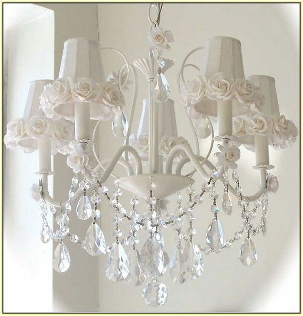 Well Known White Shabby Chic Chandeliers (View 3 of 10)