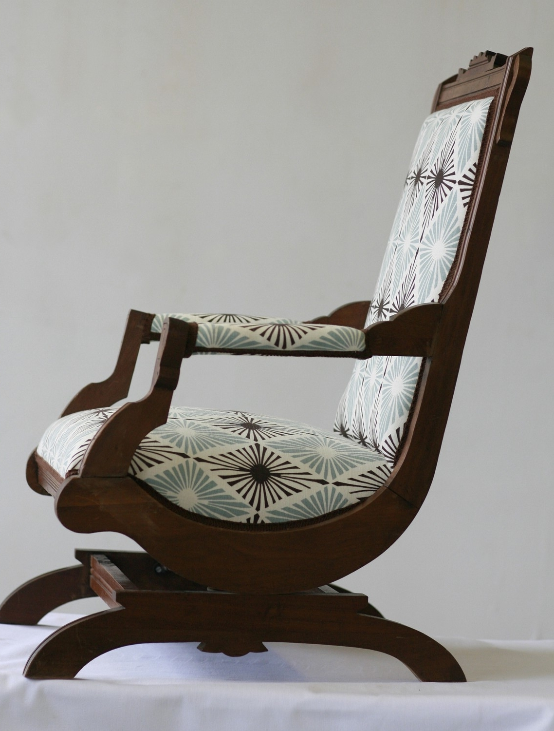54 Antique Rocking Chair, Online Get Cheap Antique Rocking Chairs Inside Preferred Rocking Chairs With Springs (Gallery 6 of 15)