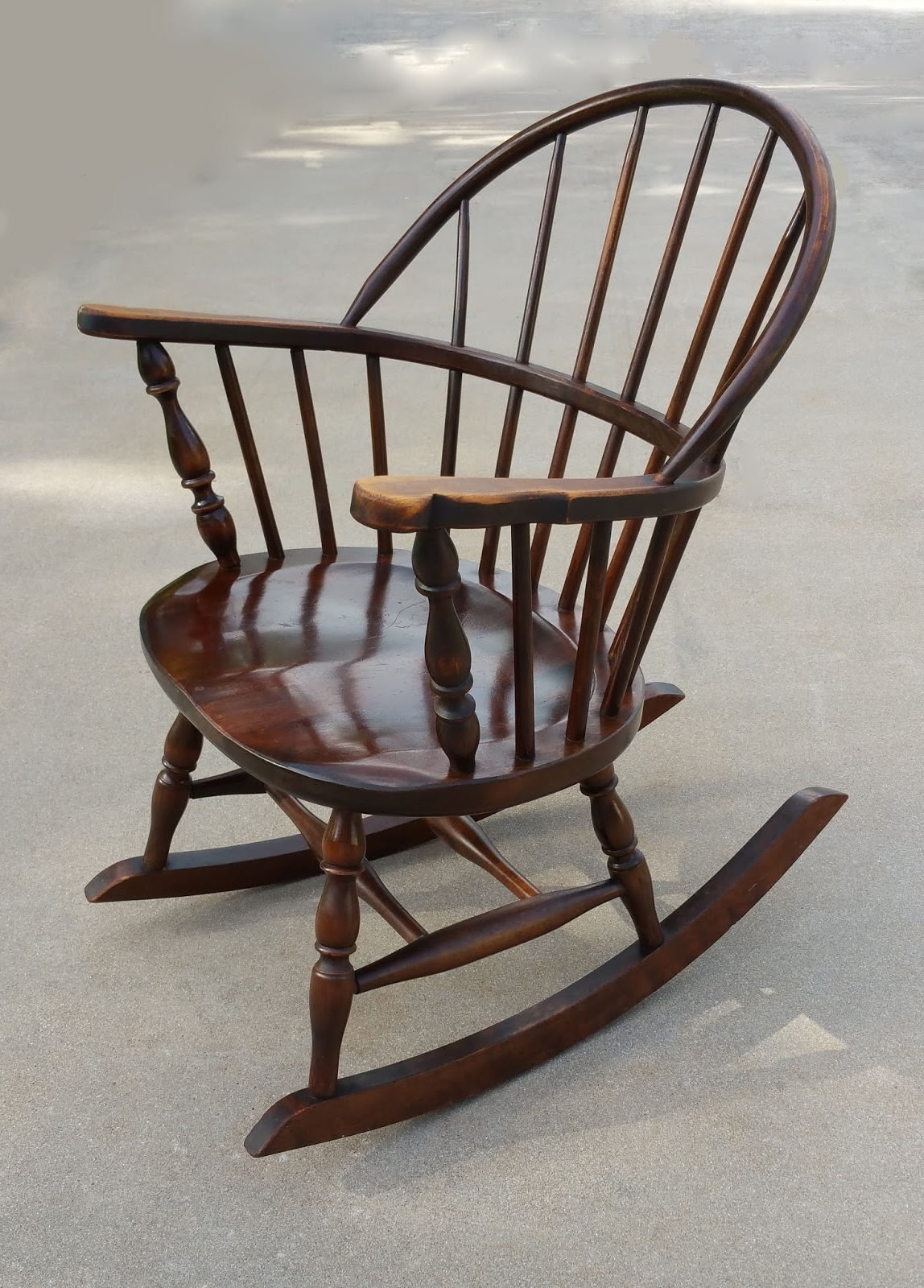 Antique Rocking Chairs Regarding Most Recently Released Antique Windsor Rocking Chair (View 12 of 15)