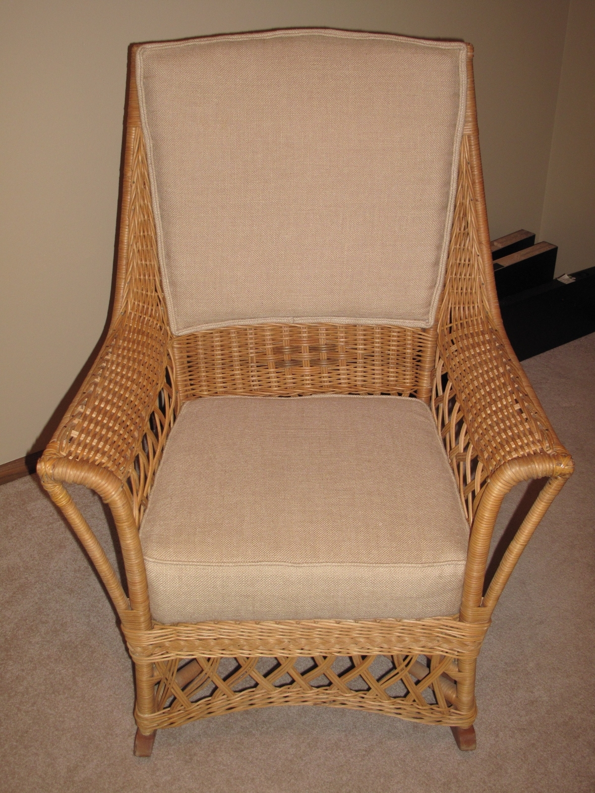 Best And Newest Furniture: Ypsilanti Furniture Company Wicker Rocking Chair Antique Inside Antique Wicker Rocking Chairs (View 5 of 15)
