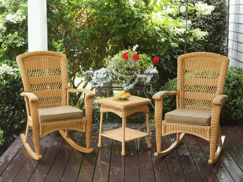Charming Wicker Rocking Chair Indoor F20X In Stylish Inspiration To Intended For Most Up To Date Indoor Wicker Rocking Chairs (View 4 of 15)