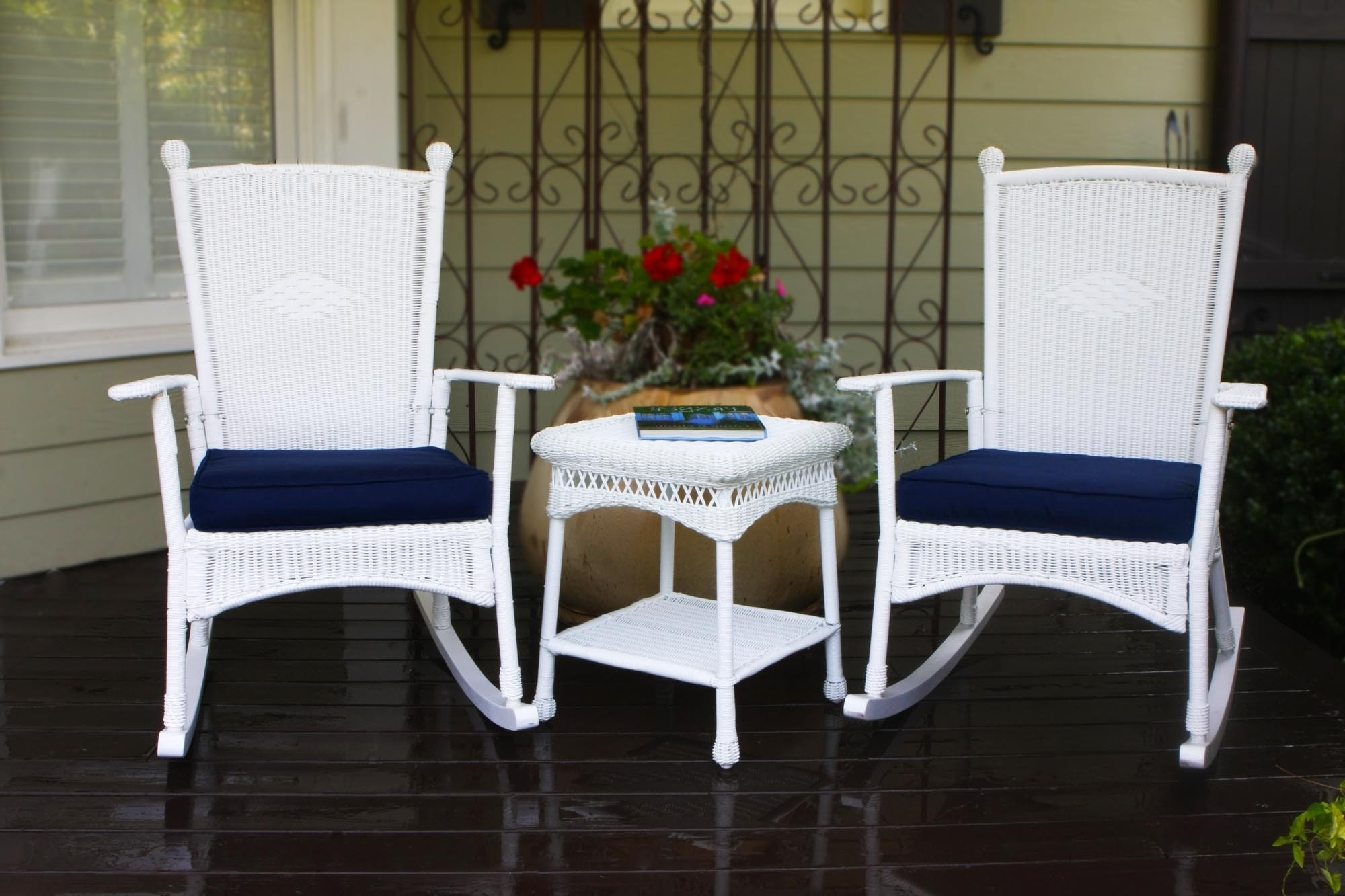 Famous White Wicker Rocking Chairs Regarding Top White Wicker Rocking Chair — Wilson Home Ideas : Choosing A (View 5 of 15)