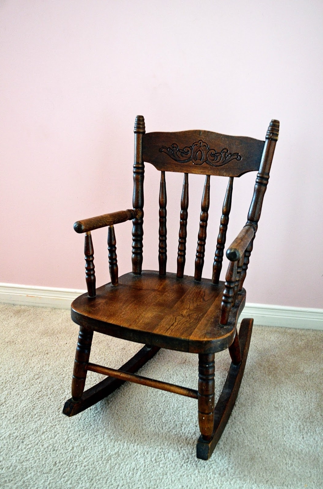 Fashionable Antique Rocking Chairs Regarding Interior : Amusing Antique Rocking Chair Value 16 On Furniture (View 14 of 15)