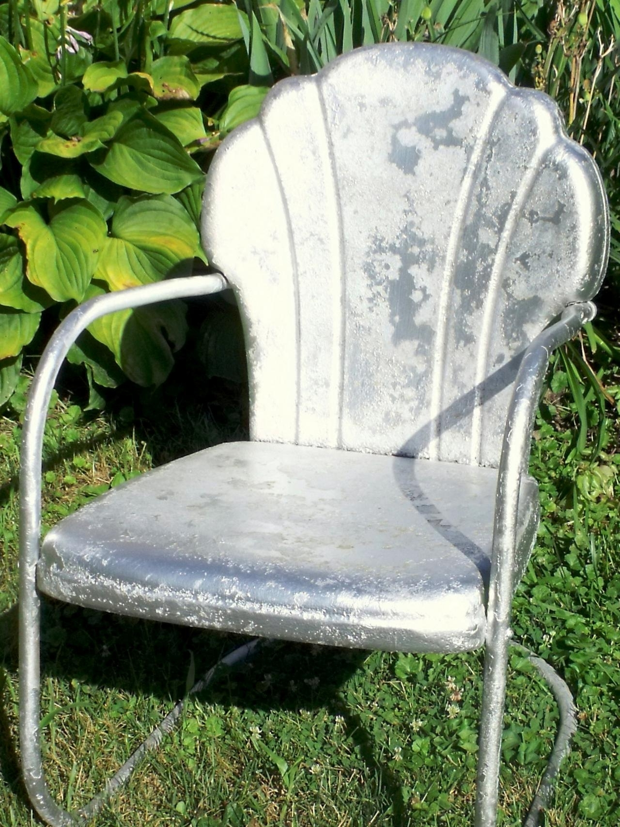 How Tell Metal Furniture And Decor Worth Refinishing Diy Outdoor With Regard To 2018 Vintage Metal Rocking Patio Chairs (Gallery 11 of 15)