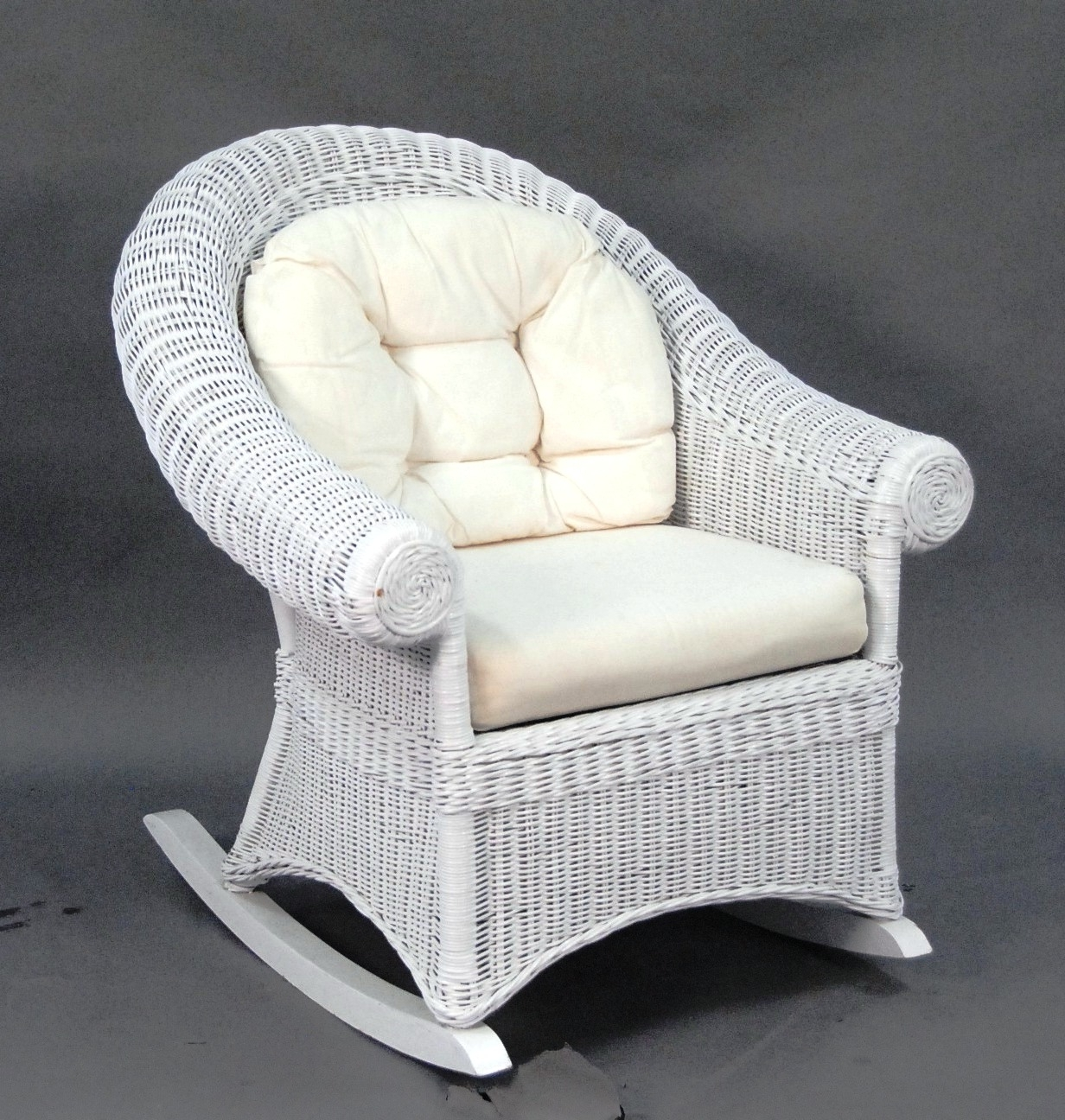 Most Current White Wicker Rocking Chairs Pertaining To White Wicker Rocking Chair — Wilson Home Ideas : How To Fix A Copy (View 7 of 15)