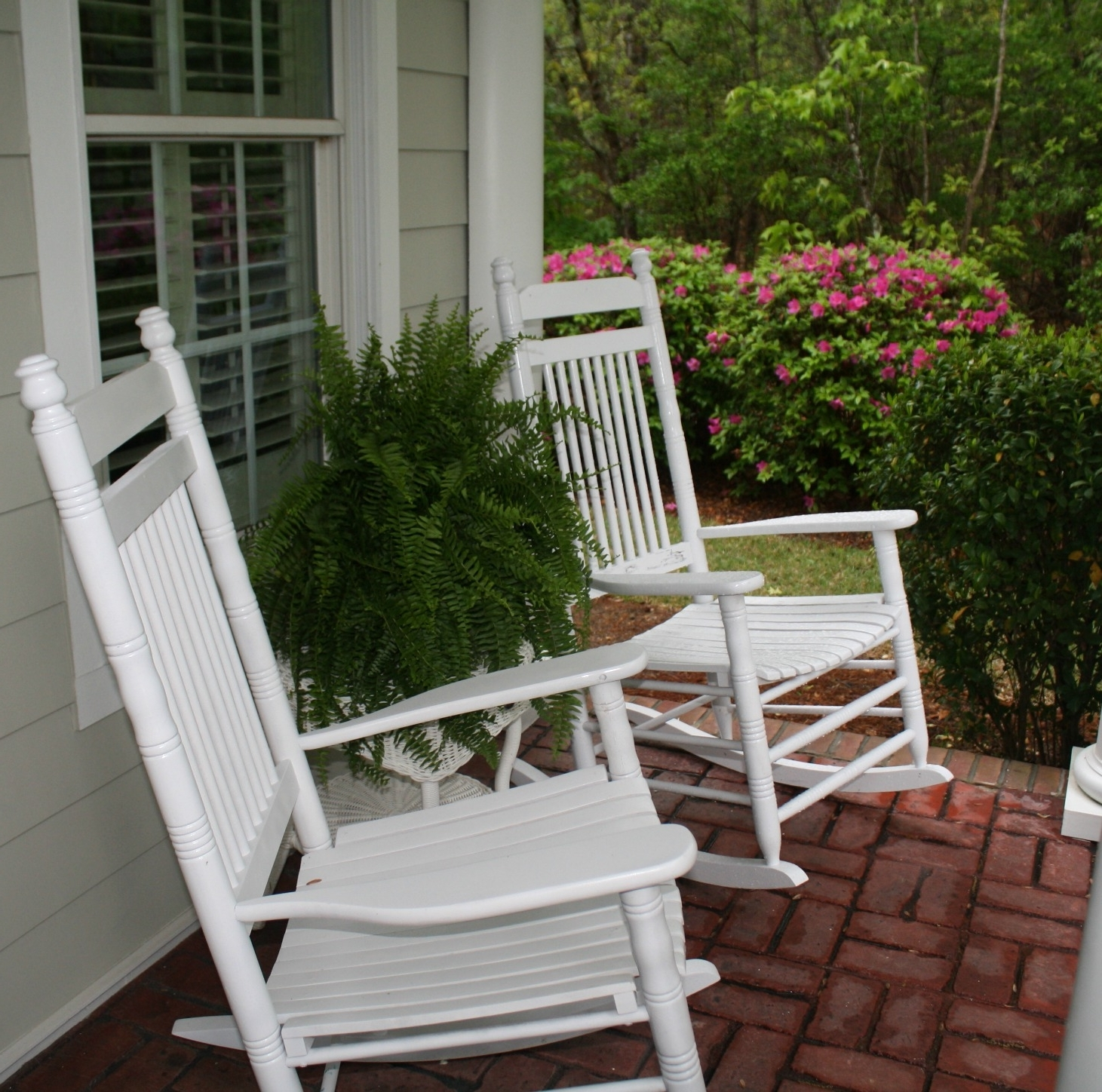 Outdoor Front Porch Rocking Chairs Patio Furniture Lighting Shades Regarding Most Current Small Patio Rocking Chairs (View 8 of 15)