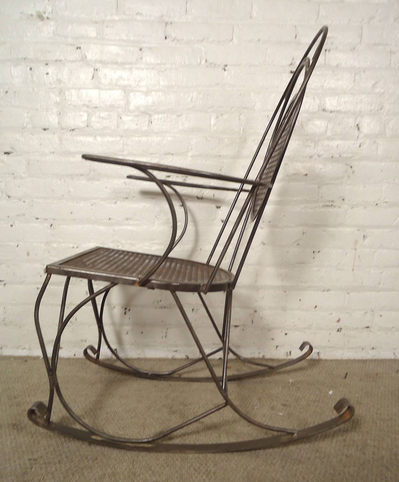 Retro Outdoor Rocking Chairs Pertaining To Widely Used Vintage Outdoor Metal Rocking Chairs – Outdoor Designs (View 15 of 15)