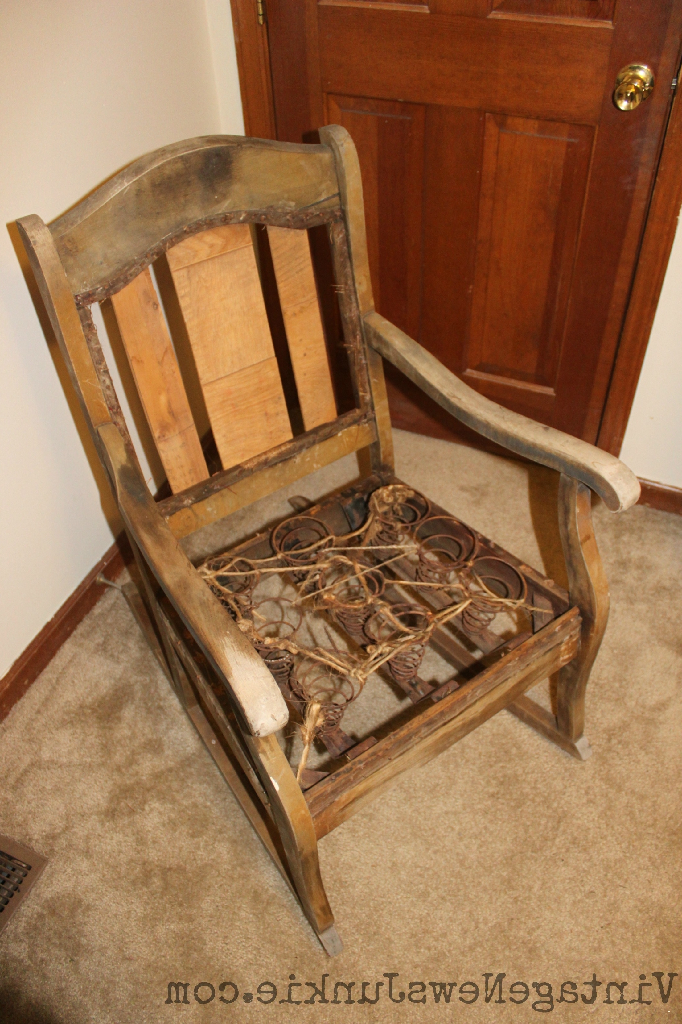 Rocking Chairs With Springs Intended For Widely Used Upholstered Rocking Chairs New Reupholster Chair Seat With Springs (View 8 of 15)
