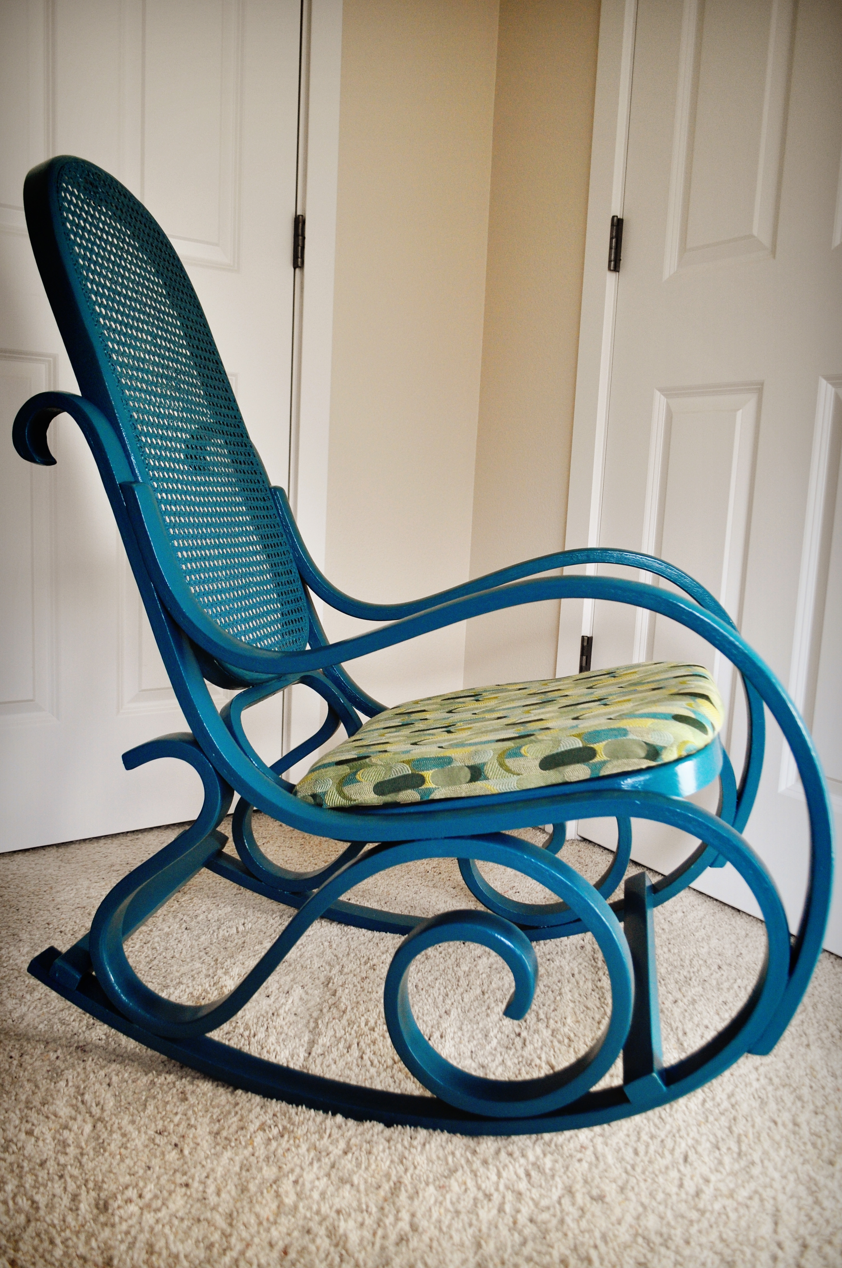 Vintage Wicker Rocking Chairs Inside Famous Furniture: Antique Wicker Rocking Chair Design (View 5 of 15)