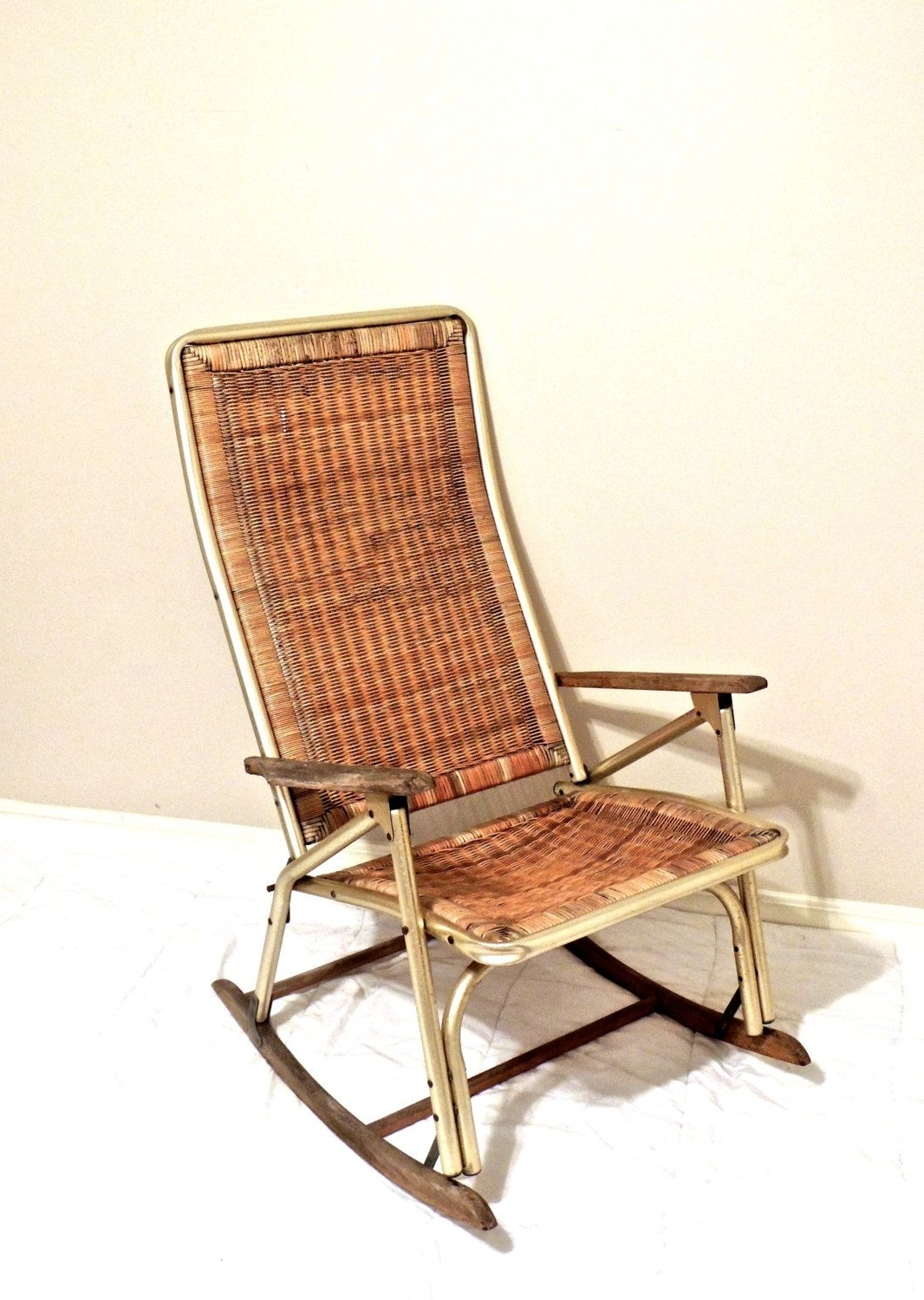 Vintage Wicker Rocking Chairs With Famous Vintage Wicker Rocking Chair – 1950S 60S Mid Century Gold/wicker (Gallery 7 of 15)