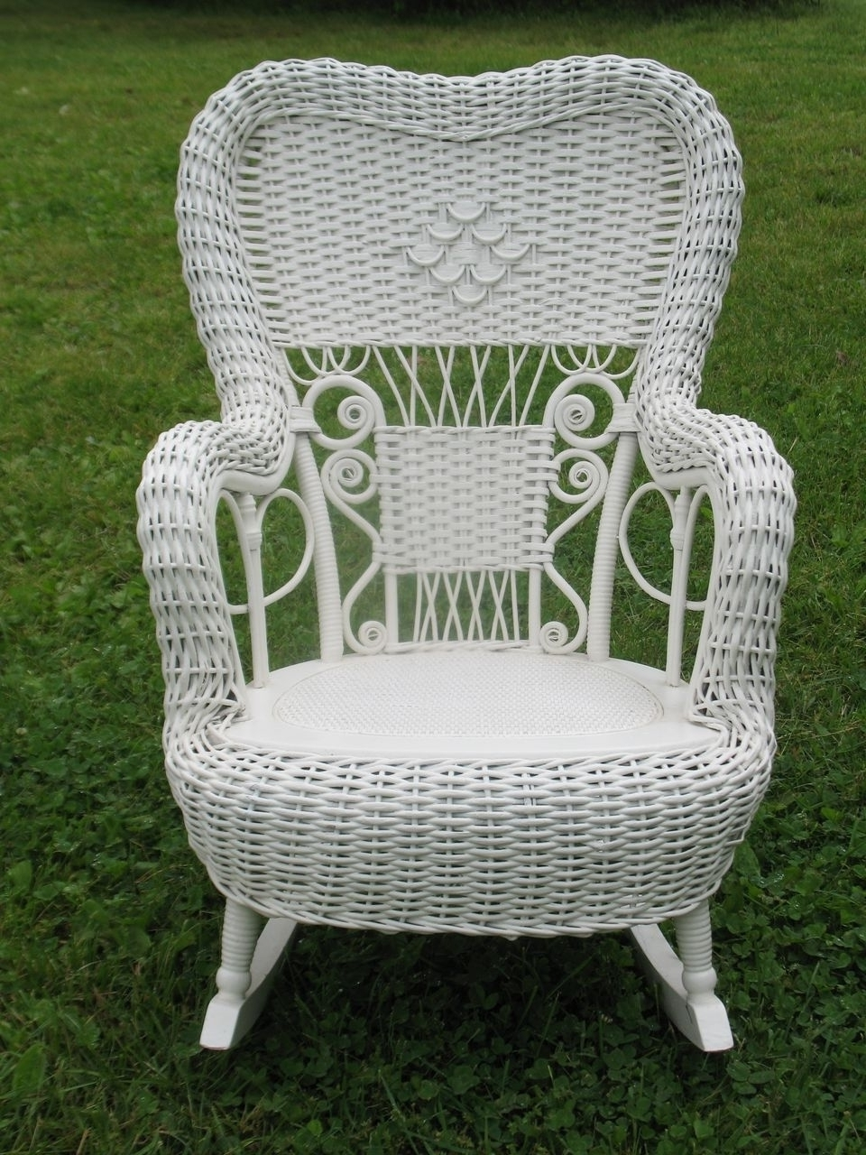 Vintage Wicker Rocking Chairs With Newest Vintage Wicker Rocking Chair (Gallery 4 of 15)