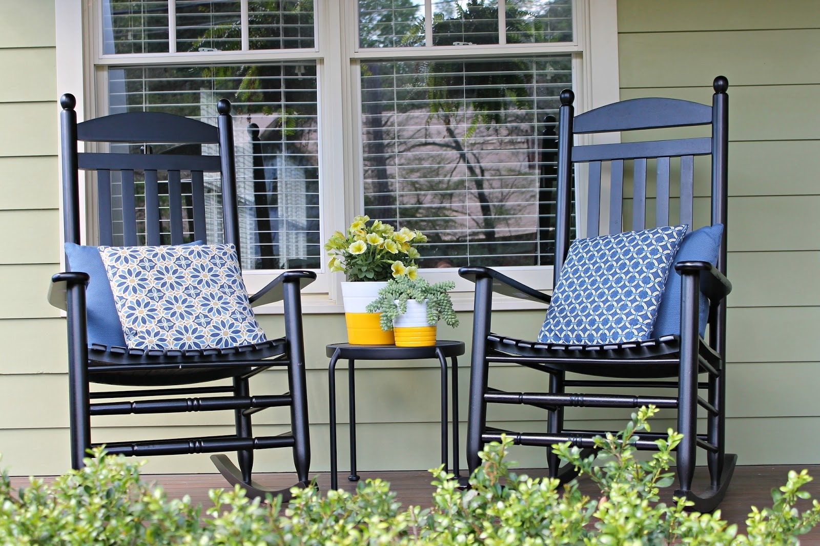 Well Liked Rocking Chairs For Front Porch Inside The Iconic Style Of The Rocking Chair (View 15 of 15)