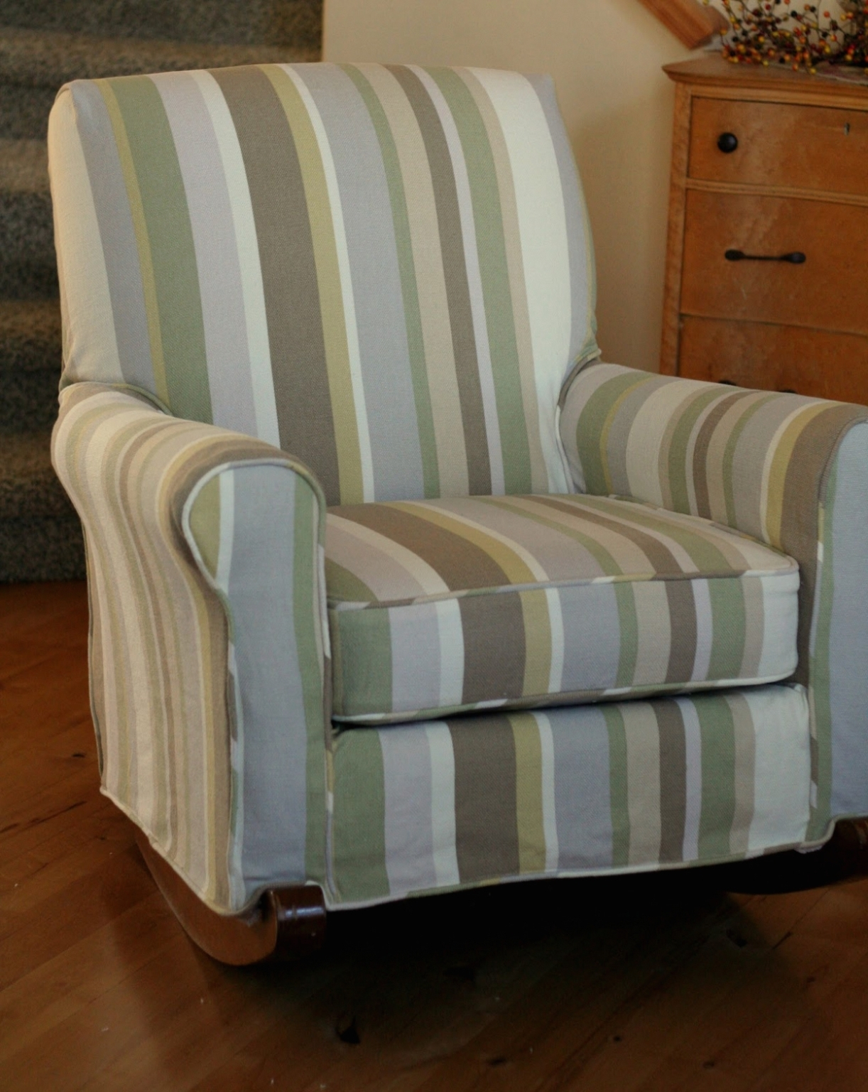 Widely Used Upholstered Rocking Chairs In Furniture: Table & Chair: Upholstered Rocking Chair Covers • Chair (View 15 of 15)