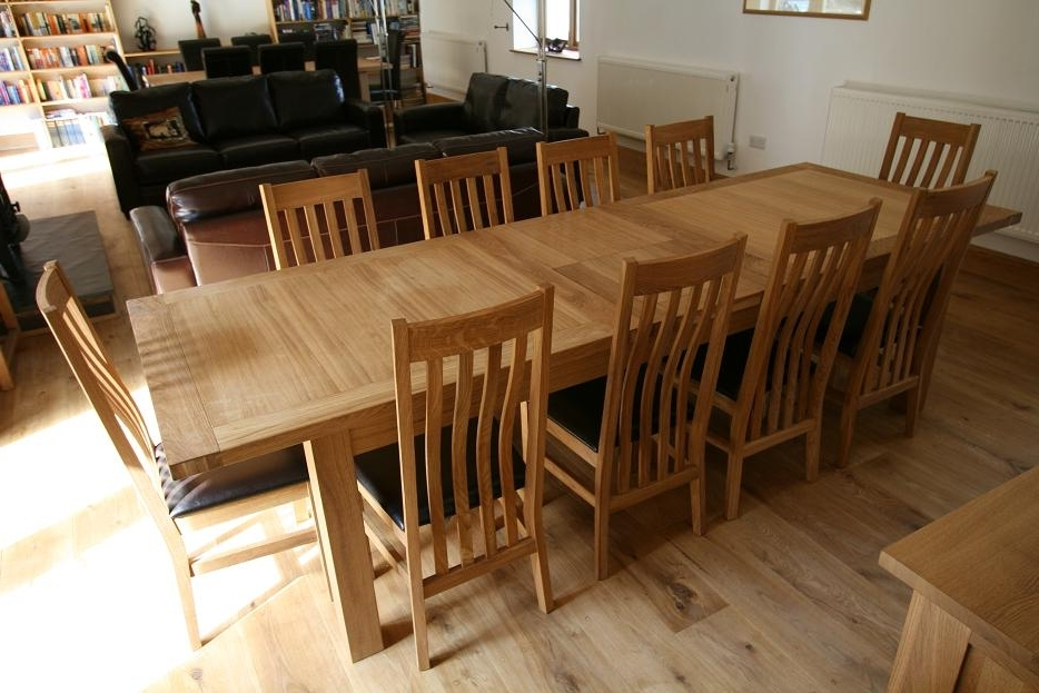 10 Seat Dining Tables And Chairs With Regard To Fashionable Large Dining Table (Gallery 9 of 20)