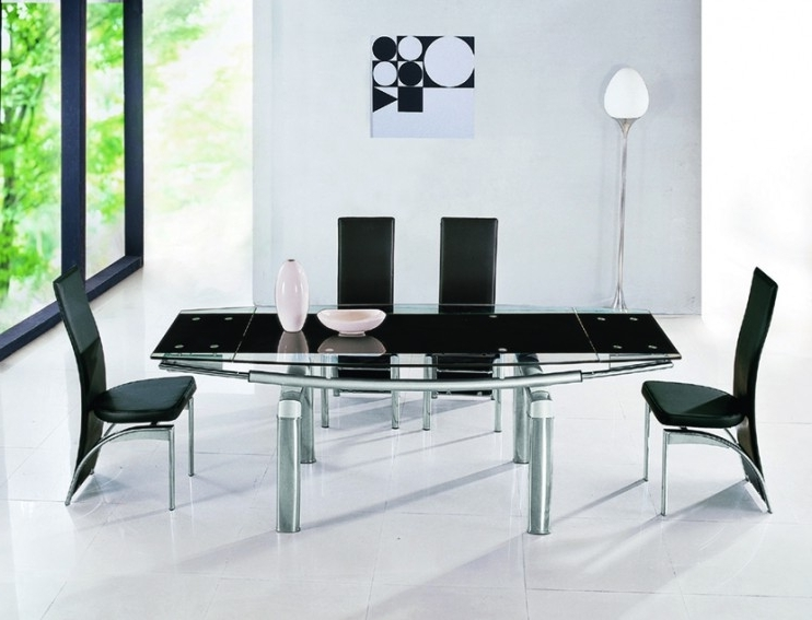 2018 Black Extendable Dining Tables Sets With Regard To Luxor Black Glass Extendable Dining Table (View 6 of 20)