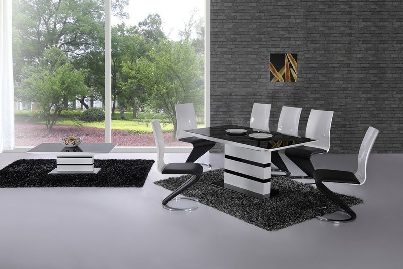 2018 Gloss Dining Tables And Chairs With Regard To Extending Black Glass White High Gloss Dining Table And 8 Chairs (View 13 of 20)