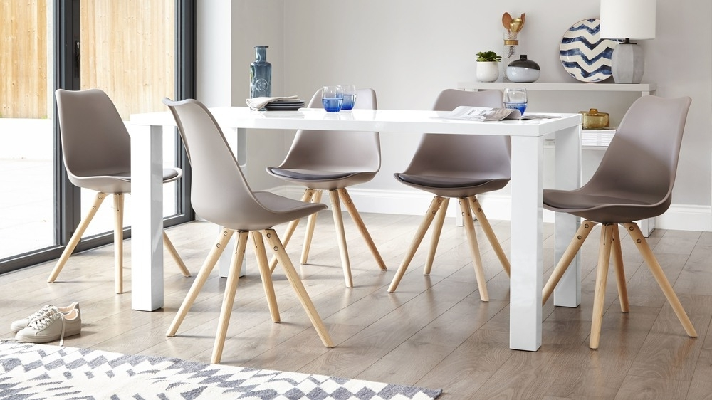 6 Seater Table (Gallery 6 of 20)