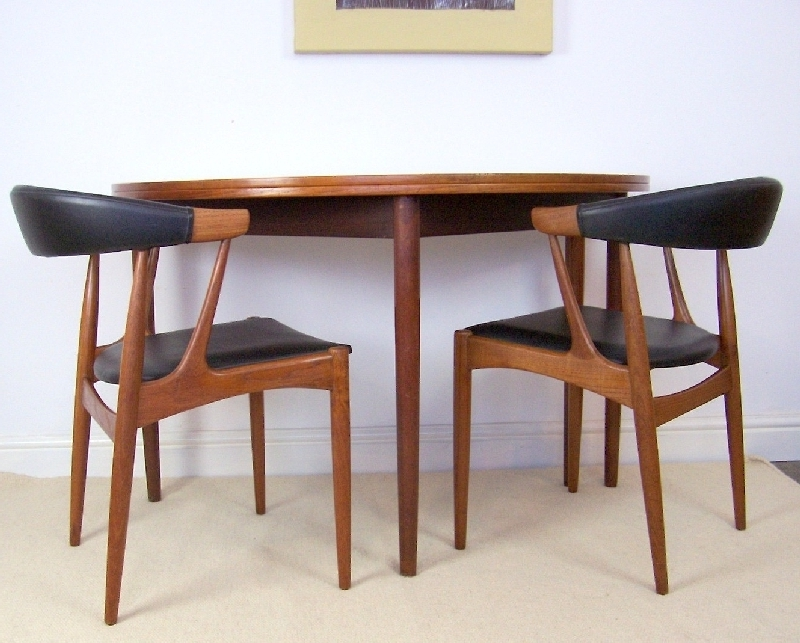 Aionkinahkaufen Throughout Round Half Moon Dining Tables (Gallery 5 of 20)