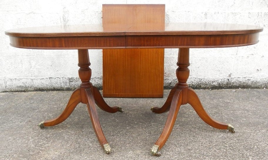 Antique Georgian Style Mahogany Extending Dining Table To Seat Eight With Regard To Latest Mahogany Extending Dining Tables And Chairs (View 15 of 20)