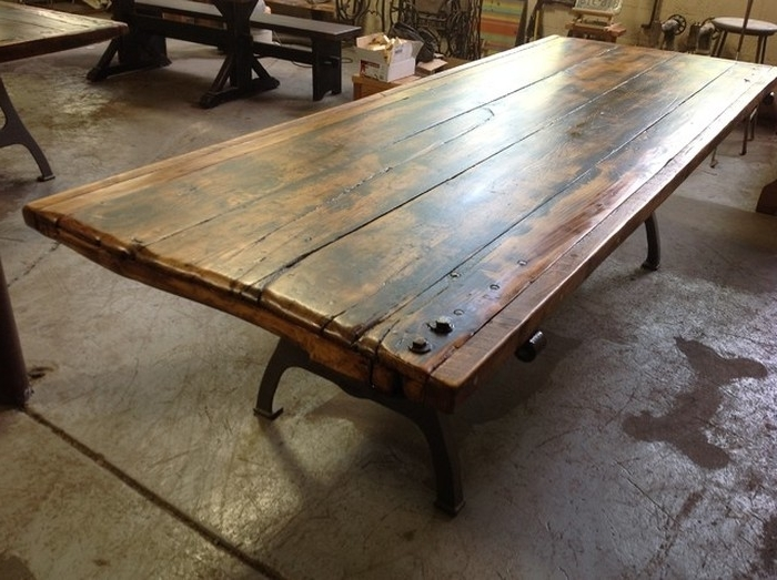 Barn House Dining Tables With 2018 (View 20 of 20)