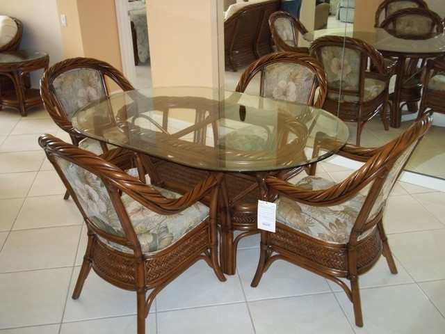 Best And Newest Wicker Glass Top Dining Wicker And Glass Dining Table Nice 8 Seater With Regard To Wicker And Glass Dining Tables (View 3 of 20)