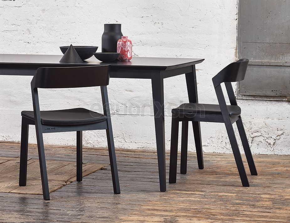Black Dining Tables With Regard To Fashionable Solid European Beechwood Black Dining Table (View 7 of 20)