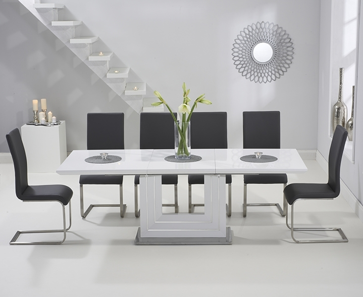Black Gloss Extending Dining Tables With Regard To Well Known Tula 160Cm White High Gloss Extending Dining Table With Malaga Chairs (View 8 of 20)