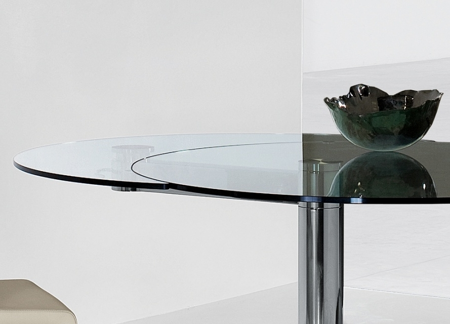 Bonaldo Plinto Round Extending Dining Table , Extendable Dining Within Well Known Glass Round Extending Dining Tables (View 4 of 20)