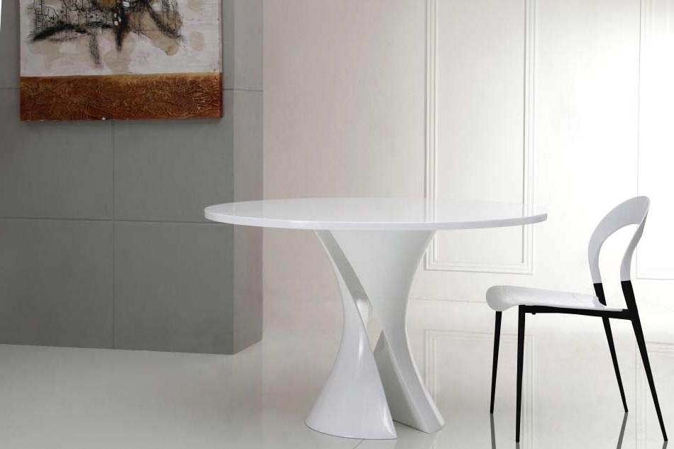 Caden Round Dining Tables Intended For Trendy Modern White Lacquer Round Dining Table Vg Curves (View 18 of 20)