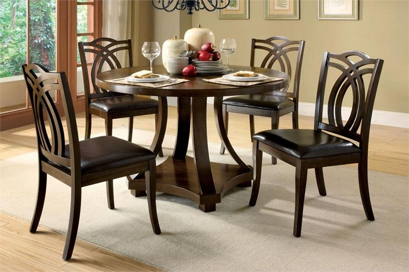 Circular Dining Tables For 4 Inside Most Popular Dining Tables: Interesting Small Circular Dining Table And Chairs (View 15 of 20)