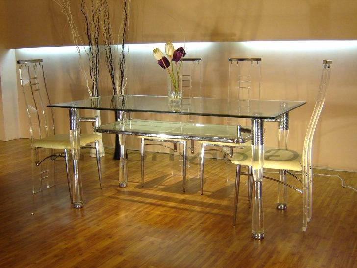 Clear Plastic Dining Tables Regarding Trendy Clear Acrylic Dining Table Dinette Tables Round Kitchen Table Sets (View 11 of 20)
