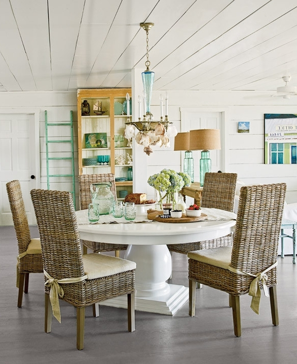 Coastal Dining Tables For Fashionable Home Modern Decorating Ideas 2016: Coastal Inspired Dining Table (View 5 of 20)