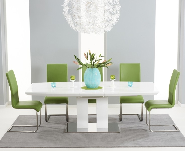 Courbe White High Gloss Extendable Dining Table With Regard To Recent High Gloss White Extending Dining Tables (View 3 of 20)