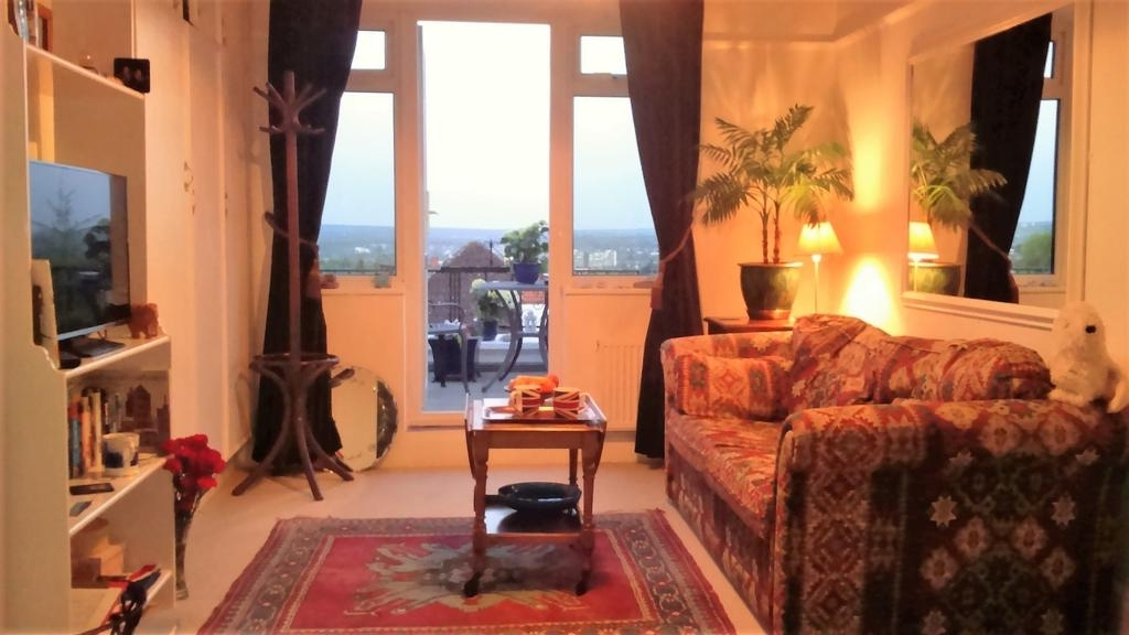 Crystal Palace B&b, London – Updated 2018 Prices Intended For Best And Newest Patterson 6 Piece Dining Sets (View 18 of 20)