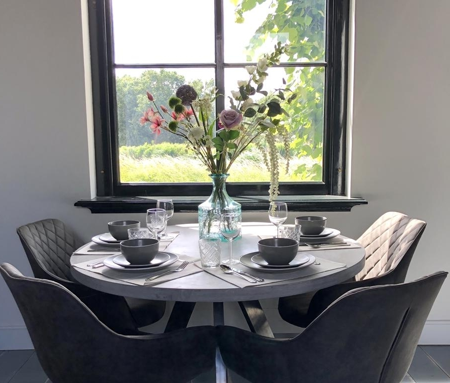 Current Bale Rustic Grey Dining Tables Pertaining To Rustic Houses With River View, Amstelvenas – Atnaujintos 2018 M (View 8 of 20)