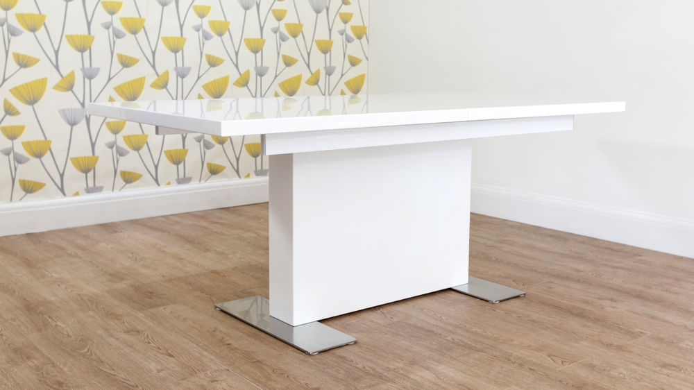 Current Modern Large White Gloss Extending Dining Table Set Within Extending White Gloss Dining Tables (View 5 of 20)