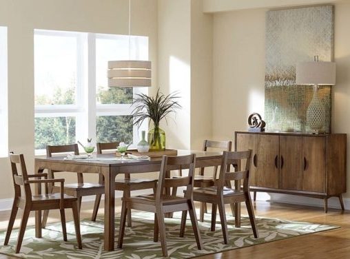 Custom Amish Dining Room Furniture (View 2 of 20)